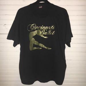 VINTAGE XL CINCINNATI BALLET BLACK & GOLD T-SHIRT.
